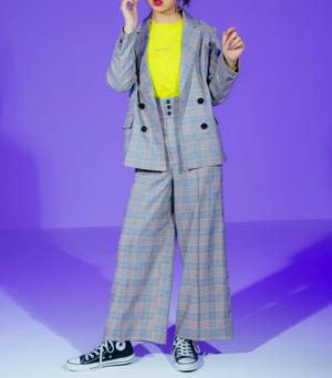芸能人がCMで着用した衣装セットアップ・スーツ