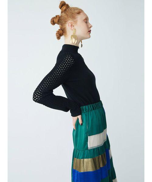 芸能人がホンマでっか!?TVで着用した衣装ニット、スカート