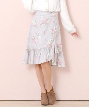芸能人が人生が楽しくなる幸せの法則で着用した衣装スカート