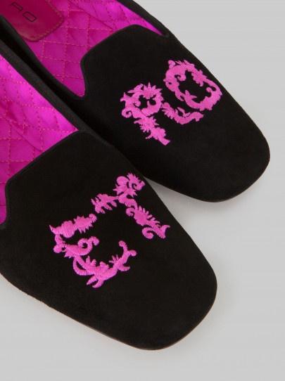 ETROのEt-ro writing embroidered slipper