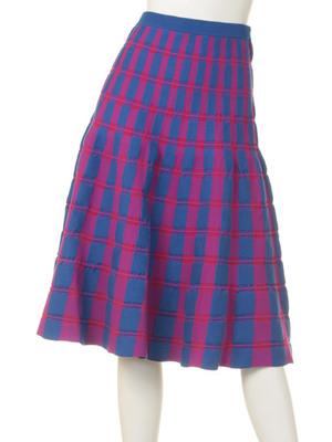 芸能人がバイキングで着用した衣装スカート