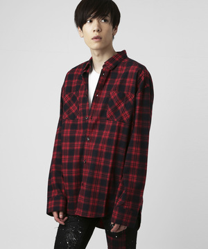 芸能人がシャツで着用した衣装メゾン・ド・ポリス