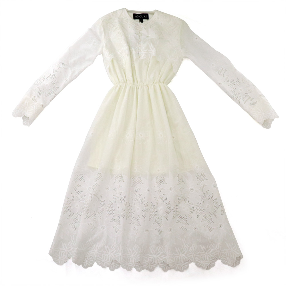 ANOUKIのWHITE FLOWER ORNAMENT LACE DRESS