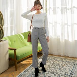 芸能人が栄子と直美のワーキングブルースで着用した衣装パンツ