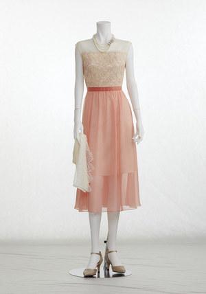 芸能人が僕の初恋をキミに捧ぐで着用した衣装ドレス