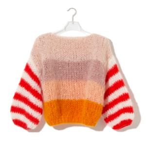 芸能人がホットペッパー ビューティーで着用した衣装セーター