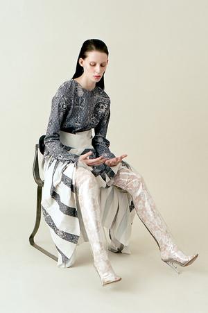 芸能人がルコックスポルティフで着用した衣装ワンピース