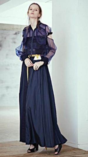 芸能人がアナザースカイで着用した衣装シャツ/ワンピース