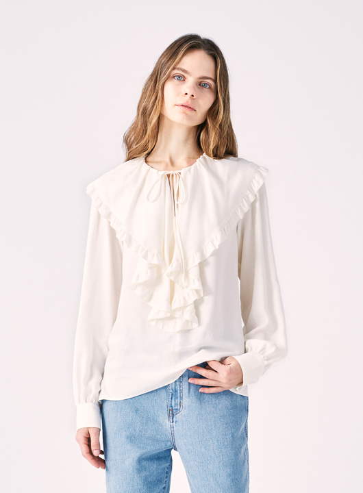 COEL�Ruffle Collar Blouse