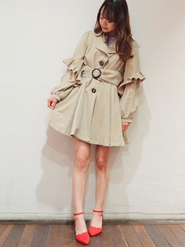 芸能人が火曜サプライズで着用した衣装アウター、スカート、ブラウス