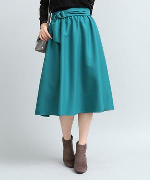 芸能人が家売るオンナの逆襲で着用した衣装スカート