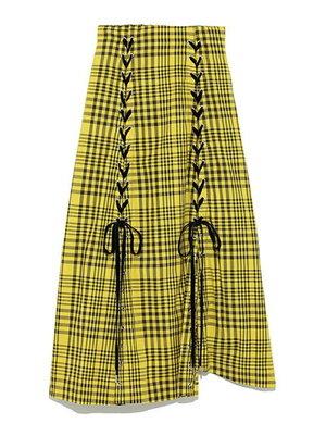 芸能人がテレビLIFEで着用した衣装スカート