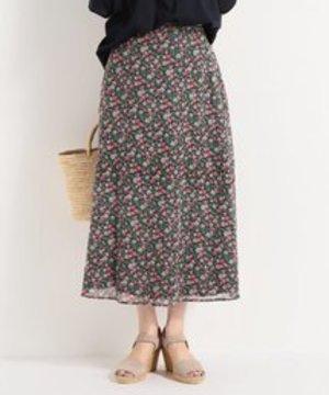 芸能人がピントで着用した衣装スカート