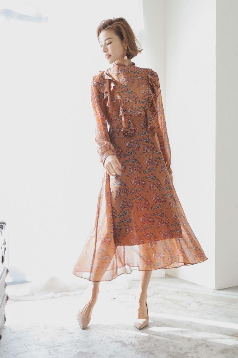 芸能人がメレンゲの気持ちで着用した衣装ワンピース、シューズ