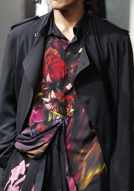 芸能人がしゃべくり007で着用した衣装シャツ / ブラウス