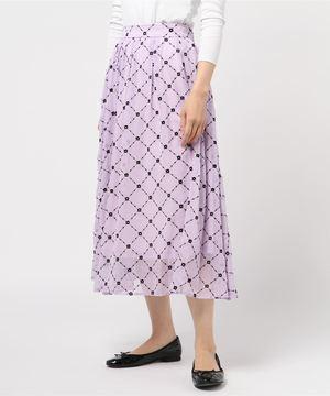 芸能人がデザイナー渋井直人の休日で着用した衣装スカート