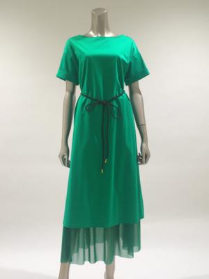 芸能人がマツコ&有吉 かりそめ天国で着用した衣装ワンピース