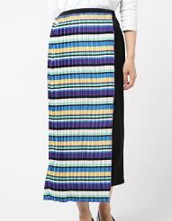 芸能人が行列のできる法律相談所で着用した衣装スカート