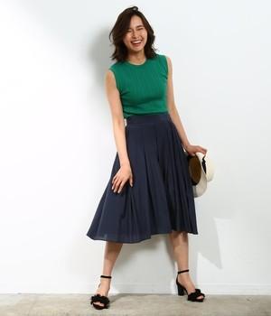 芸能人がラジエーションハウス~放射線科の診断レポート~で着用した衣装スカート