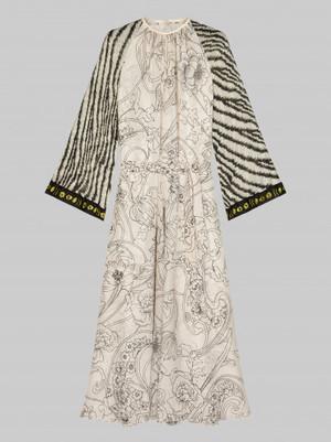 芸能人がアカデミー賞で着用した衣装ワンピース