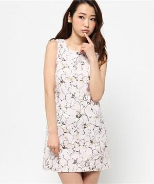 芸能人大島優子が銭の戦争で着用した衣装ワンピース