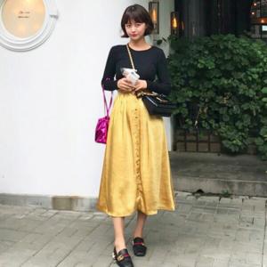 芸能人がabema primeで着用した衣装スカート