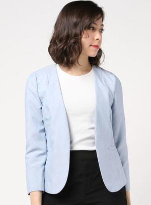 芸能人がラジエーションハウス~放射線科の診断レポート~で着用した衣装ジャケット