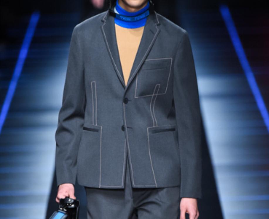 芸能人が行列のできる法律相談所で着用した衣装ジャケット、パンツ