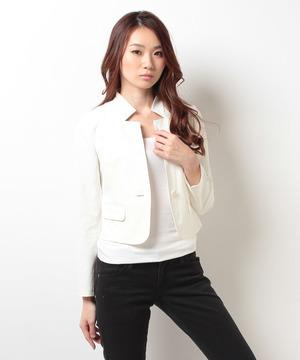 芸能人がNEWS JAPANで着用した衣装アウター