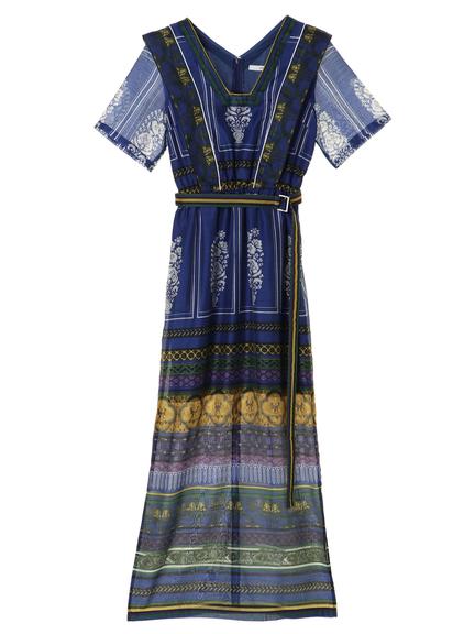 芸能人がウズベキスタン共和国観光大使就任イベントで着用した衣装ワンピース