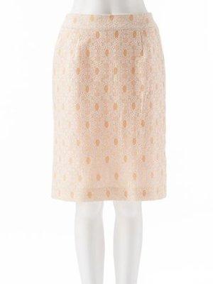 芸能人がFNNスピークで着用した衣装スカート