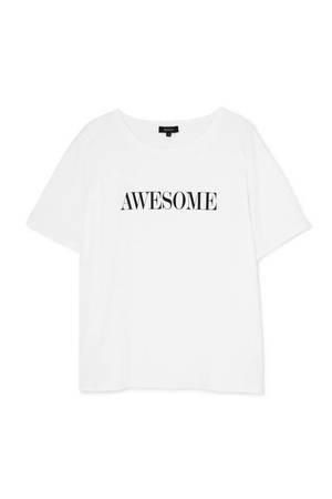 芸能人がわたし、定時で帰ります。で着用した衣装Tシャツ
