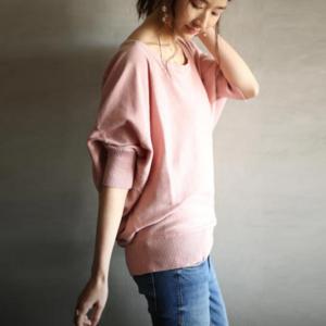 芸能人がニッポンのココからココ移住した女たちで着用した衣装ニット