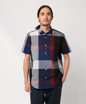 芸能人がパーフェクトワールドで着用した衣装シャツ