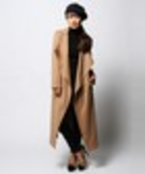 芸能人がブログ ローラで着用した衣装アウター