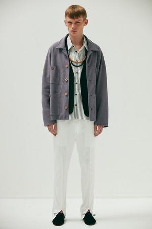 芸能人が東京独身男子で着用した衣装ジャケット