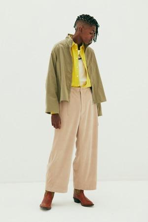 芸能人が東京独身男子で着用した衣装パンツ
