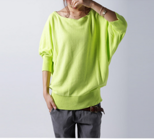 芸能人が住人十色で着用した衣装ニット/セーター