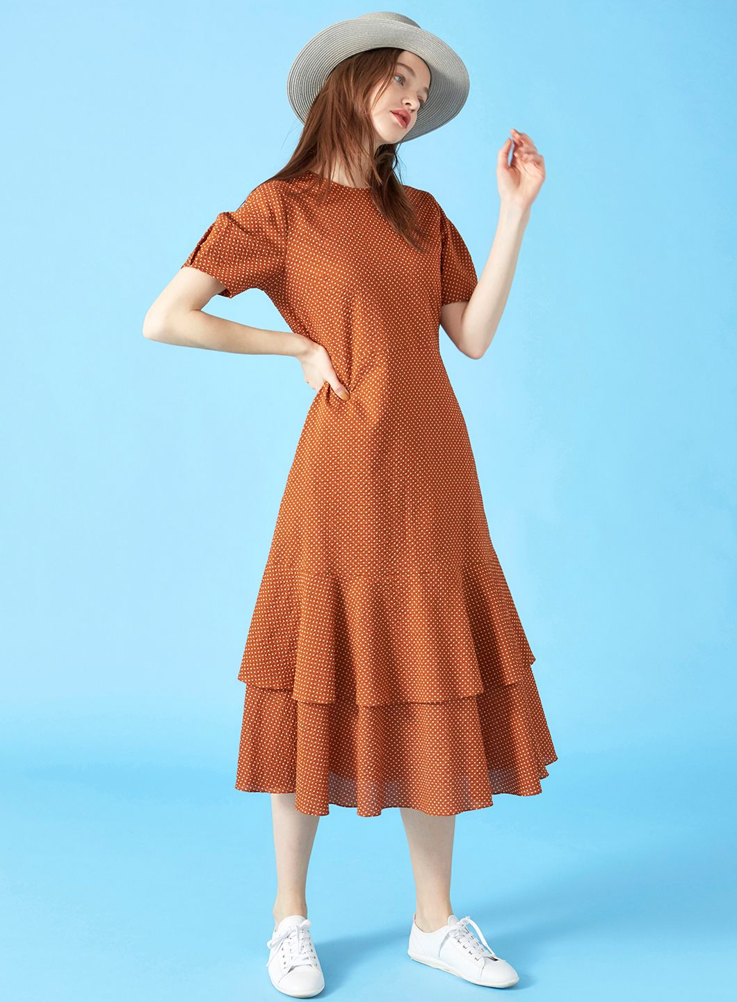 COELのBack Schoen Dot Tiered Dress