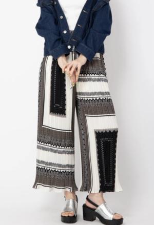 芸能人がパーフェクトワールドで着用した衣装パンツ