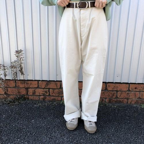 芸能人がアナザースカイIIで着用した衣装アウター、パンツ