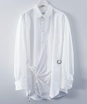 芸能人がライオンのグータッチで着用した衣装シャツ、カットソー、パンツ