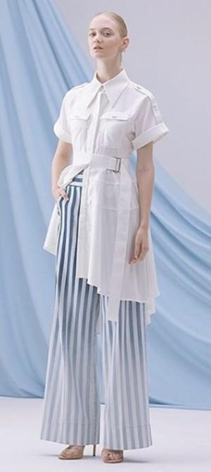 芸能人がグータンヌーボ2で着用した衣装ワンピース/シューズ・サンダル