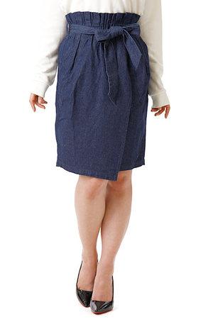 芸能人が国民の疑問を徹底調査!エネルギー調査隊で着用した衣装スカート