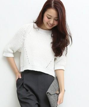 芸能人がCD-Journalで着用した衣装スカート、ニット