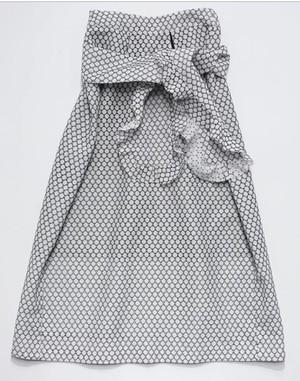 芸能人がA-Studioで着用した衣装スカート、シューズ、靴下、ジュエリー、ニット