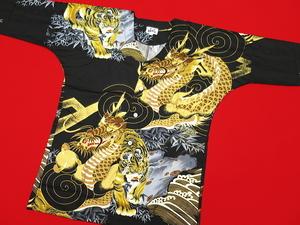 芸能人がセミオトコで着用した衣装トップス