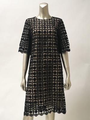 芸能人がポイズンドーター・ホーリーマザーで着用した衣装ドレス