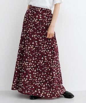 芸能人がHeaven?~ご苦楽レストラン~で着用した衣装スカート