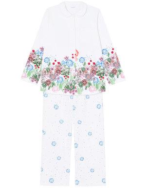 芸能人がセミオトコで着用した衣装パジャマ